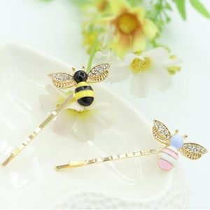 Accessories - ★ 4/$15 Little Bee Hair Clip